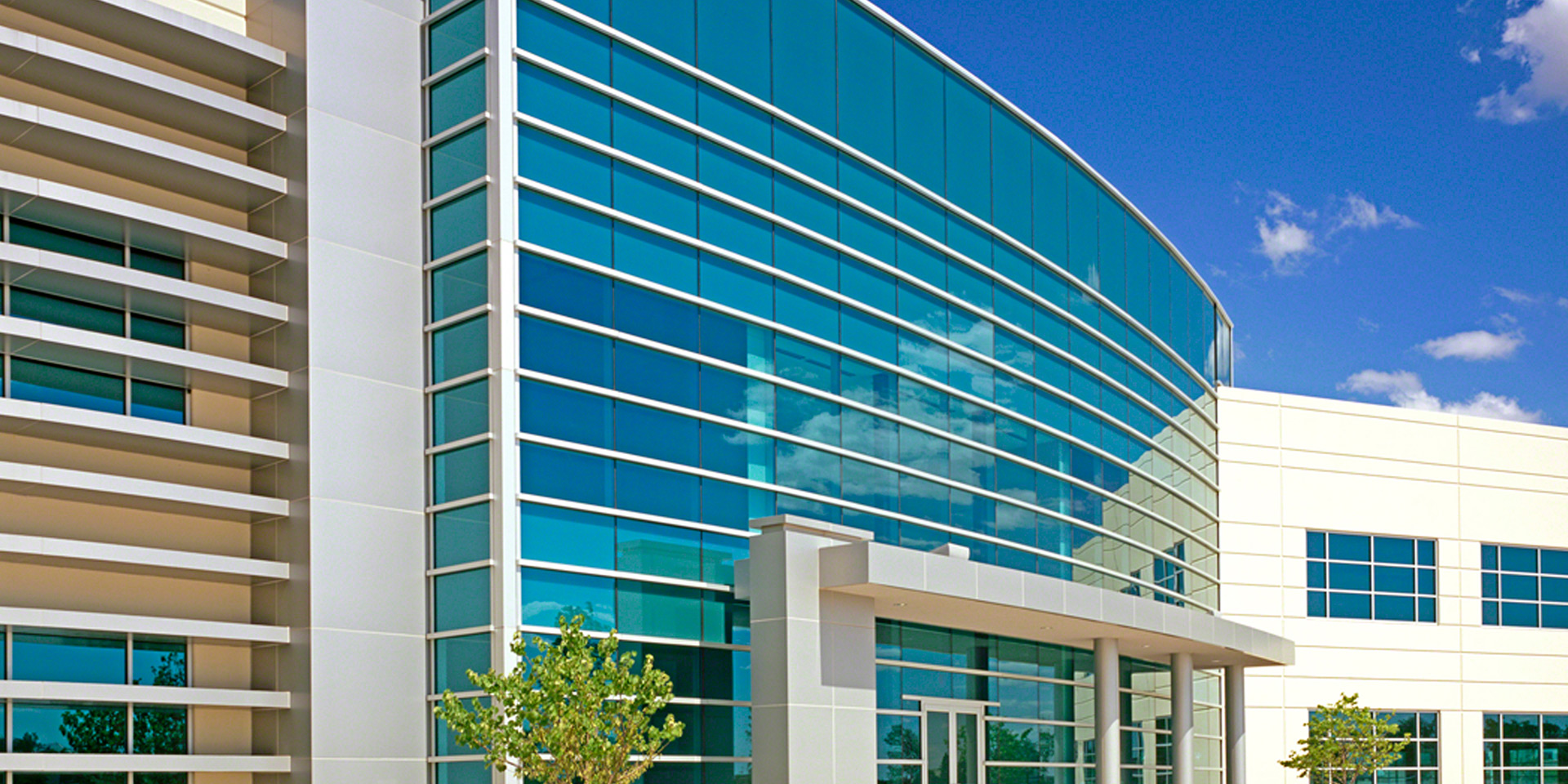Gateway Corporate Center | Vistacool® Azuria® Glass