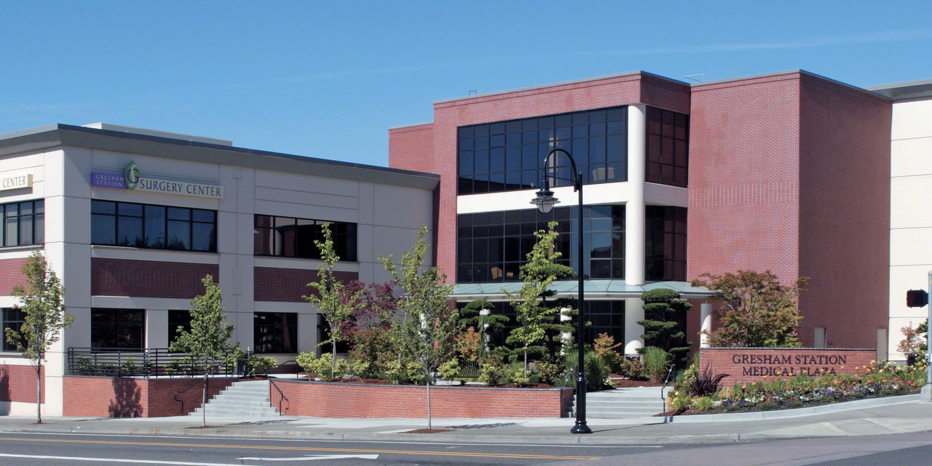 Gresham Station Medical Plaza | Solarbronze® Glass with Sungate® 400 Clear Glass