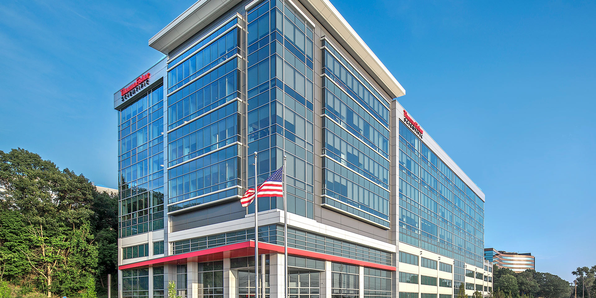 Thermo Fisher Scientific Global Headquarters | Solarban® z50 Glass (Solarban® 60 Optiblue® Glass)